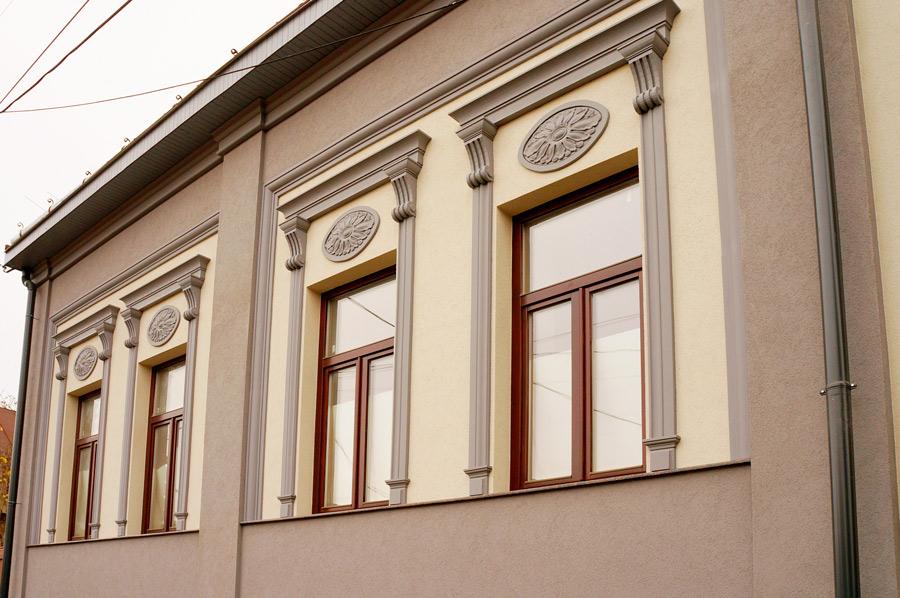 фасад у Ужгороді