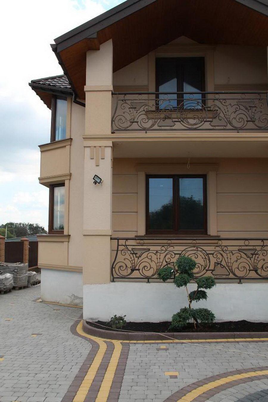 Декорація балкону