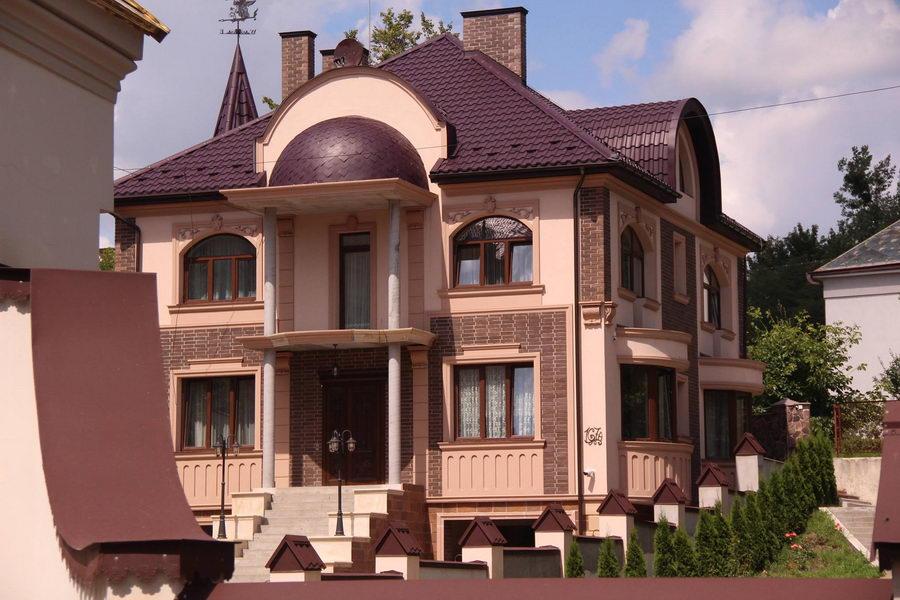Фасадна ліпнина на Личаківськиій